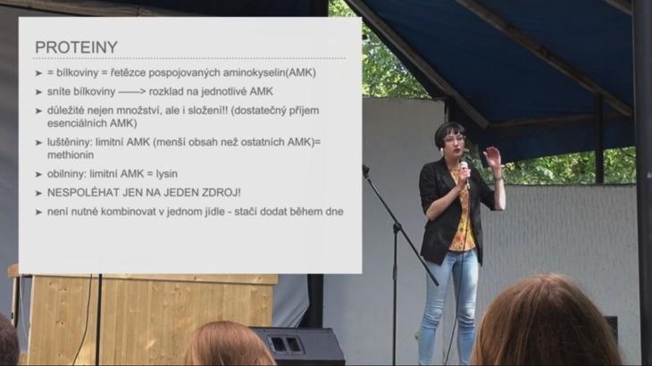 Přednáška: Jak přežít na trávě (video)