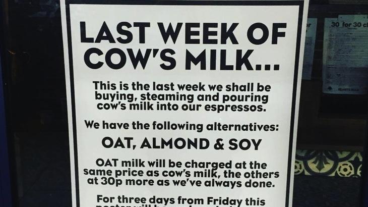 Oblíbená londýnská kavárna končí s kravským mlékem