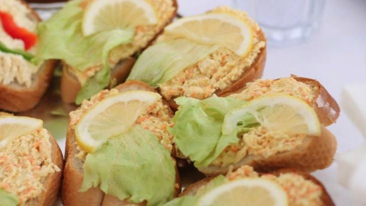 Celerová pomazánka (a la krabí)