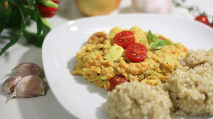 Červená čočka s kokosovým mlékem (čočkarí)