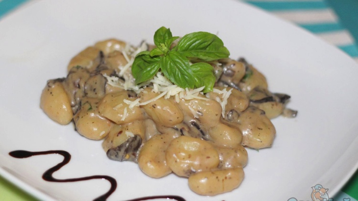 Gnocchi al funghi (houbové bramborové noky)